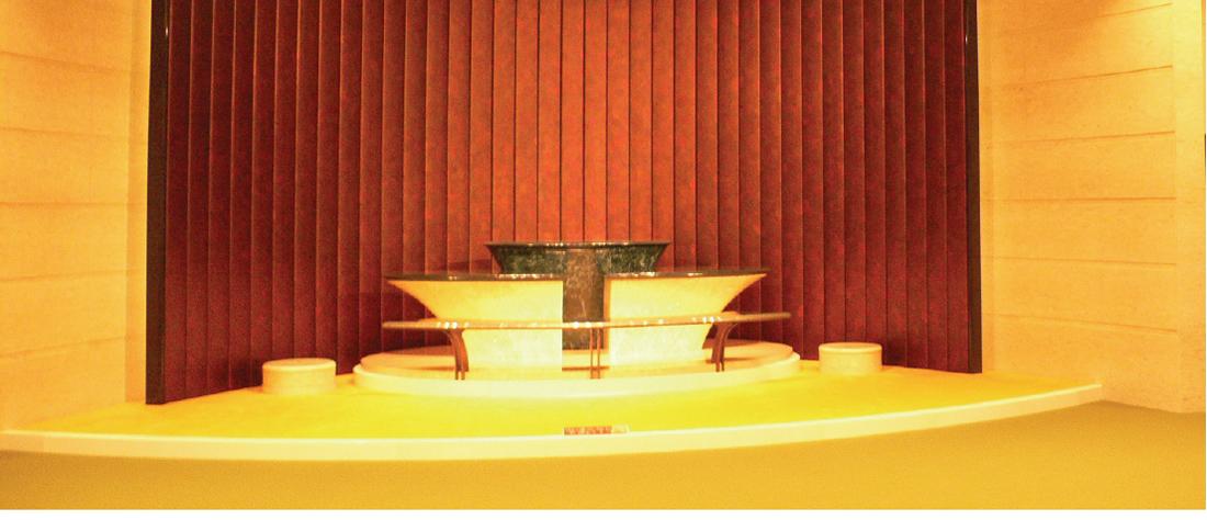 寺院の祭壇のための壁面パネル・テーブルの天板・厨子展示コーナー 2