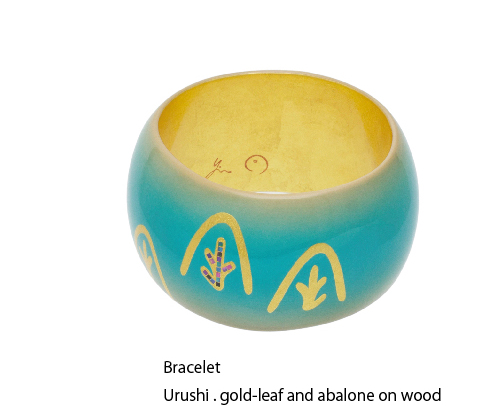 Bracelet Urushi . gold-leaf and abalone on wood