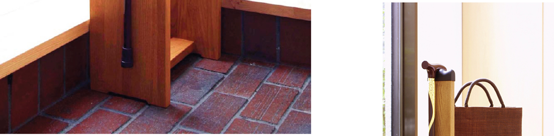 ステッキチェアー(Chair placing a Walking stick)ステッキは2 本まで掛けられ、 玄関回りをお洒落に演出、