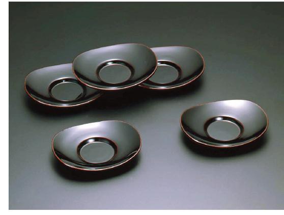素黒目の器(SUGOROME URUSHI Lacquerware) Y-144H 本朱 Y-144T 溜 小判茶托